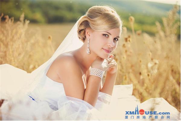十里蓝山 世界最长婚纱 最美新娘活动征集中